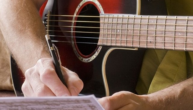 Как написать текст песни