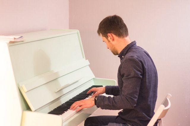 Как научиться импровизировать на фортепиано: приёмы импровизации