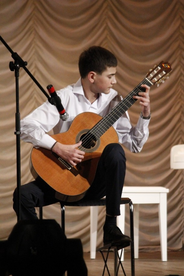 Отдаем ребенка в музыкальную школу: что нужно знать?